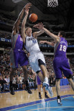 Phoenix Suns v Dallas Mavericks: Dirk Nowitzki, Earl Clark and Hedo Turkoglu Photographic Print by Glenn James