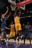 Washington Wizards v Los Angeles Lakers: Kobe Bryant and Gilbert Arenas Photographic Print by Jeff