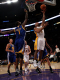 Golden State Warriors v Los Angeles Lakers: Derek Fisher and Dorell Wright Photographic Print by Stephen Dunn