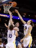 Minnesota Timberwolves v Golden State Warriors: Kevin Love, David Lee and Lou Amundson Photographic Print by Ezra Shaw