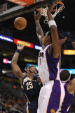 Indiana Pacers v Phoenix Suns: Brandon Rush and Channing Frye Photographic Print by Christian Petersen