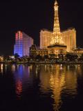 A Lavish Display of Lights in Las Vegas Photographie par Jodi Cobb