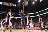 Minnesota Timberwolves v Phoenix Suns: Michael Beasley and Hakim Warrick Photographic Print by Christian Petersen