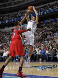 Portland Trail Blazers v Dallas Mavericks: Dirk Nowitzki and LaMarcus Aldridge Photographic Print by Danny Bollinger