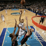 Miami Heat v Dallas Mavericks: Tyson Chandler, Zydrunas Ilgauskas and Chris Bosh Photographic Print by Glenn James