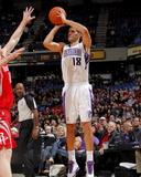 Houston Rockets v Sacramento Kings: Omri Casspi Fotografisk trykk av Rocky Widner