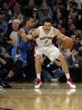 Oklahoma City Thunder v Toronto Raptors: Andrea Bargnani and Thabo Sefolosha Photographie par Ron Turenne