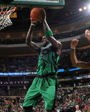 Toronto Raptors v Boston Celtics: Kevin Garnett Fotografisk tryk af Brian Babineau
