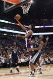 Memphis Grizzlies v Phoenix Suns: Josh Childress and Sam Young Lmina fotogrfica por Christian