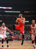 Los Angeles Clippers v Chicago Bulls: Eric Gordon, Derrick Rose and Keith Bogans Photographic Print by Randy Belice