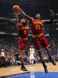 Cleveland Cavaliers  v Orlando Magic: Joey Graham and J.J. Hickson Photographic Print by Fernando Medina