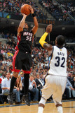 Miami Heat v Memphis Grizzlies: Eddie House and O.J. Mayo Fotografie-Druck von Joe Murphy