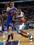 New York Knicks v New Orleans Hornets: Marcus Thornton and Wilson Chandler Photographic Print by Layne Murdoch