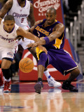 Los Angeles Lakers v Los Angeles Clippers: Kobe Bryant and Eric Gordon Photographic Print by Stephen Dunn