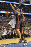 Miami Heat v Orlando Magic: Brandon Bass and Zydrunas Ilgauskas Photographic Print by Mike Ehrmann