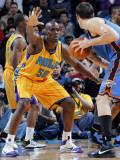 Oklahoma City Thunder v New Orleans Hornets: Emeka Okafor Photographic Print by Layne Murdoch