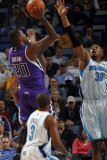 Sacramento Kings v New Orleans Hornets: Donte Greene and David West Photographic Print by Layne Murdoch