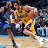 Oklahoma City Thunder v New Orleans Hornets: Marco Belinelli and Russell Westbrook Photographic Print by Layne Murdoch