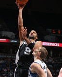 San Antonio Spurs v Minnesota Timberwolves: Tony Parker and Luke Ridnour Photographic Print by David Sherman