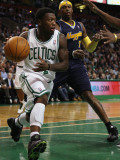 Denver Nuggets v Boston Celtics: Nate Robinson and Al Harrington Photographic Print by Elsa .