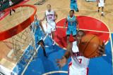 New Orleans Hornets v Detroit Pistons: Ben Gordon, Marcus Thornton and Tayshaun Prince Fotografisk tryk af Allen Einstein