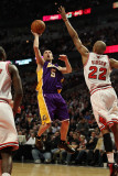 Los Angeles Lakers v Chicago Bulls: Steve Blake and Taj Gibson Photographic Print by Jonathan 