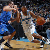 Dallas Mavericks v New Orleans Hornets: Willie Green and Jose Barea Lmina fotogrfica por Layne Murdoch