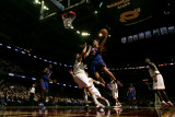 New York Knicks v Cleveland Cavaliers: Danilo Gallinari and Anderson Varejao Photographie par David Liam Kyle