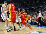 Houston Rockets v Oklahoma City Thunder: Kyle Lowry and Eric Maynor Photographic Print by Larry W. Smith