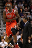 Chicago Bulls v Phoenix Suns: Luol Deng Photographic Print by Christian Petersen