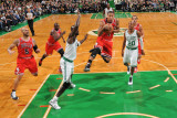 Chicago Bulls v Boston Celtics: Derrick Rose and Kevin Garnett Photographic Print by Brian Babineau