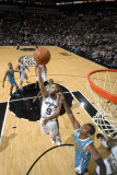 New Orleans Hornets v San Antonio Spurs: Tony Parker and Chris Paul Fotografisk tryk af D. Clarke Evans