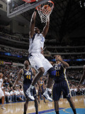 Utah Jazz v Dallas Mavericks: Brendan Haywood and Earl Watson Photographic Print by Glenn James