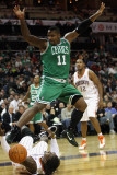 Boston Celtics v Charlotte Bobcats: Glen Davis and Gerald Wallace Photographie par Streeter