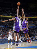 Phoenix Suns v Oklahoma City Thunder: Kevin Durant, Channing Frye and Josh Childress Photographic Print by Layne Murdoch