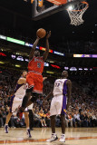 Chicago Bulls v Phoenix Suns: Luol Deng and Jason Richardson Photographic Print by Christian Petersen