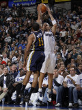 Utah Jazz v Dallas Mavericks: Jason Kidd and Earl Watson Photographic Print by Danny Bollinger