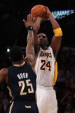 Indiana Pacers v Los Angeles Lakers: Kobe Bryant and Brandon Rush Photographic Print by Jeff Gross