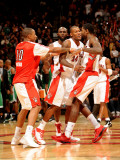 Boston Celtics v Toronto Raptors: Amir Johnson, DeMar DeRozan and Sonny Weems Photographie par Ron Turenne
