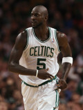 Portland Trail Blazers v Boston Celtics: Kevin Garnett Photographic Print by Elsa .