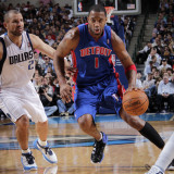 Detroit Pistons v Dallas Mavericks: Tracy McGrady and Jason Kidd Photographic Print by Glenn James