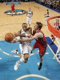 New Jersey Nets v Dallas Mavericks: Shawn Marion and Troy Murphy Photographic Print by Glenn James