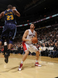 Denver Nuggets v Toronto Raptors: Andrea Bargnani and Shelden Williams Photographic Print by Ron Turenne