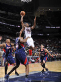Atlanta Hawks v New Jersey Nets: Travis Outlaw Photographic Print by David Dow