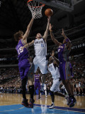 Phoenix Suns v Dallas Mavericks: Jose Juan Barea, Robin Lopez and Channing Frye Photographic Print by Danny Bollinger
