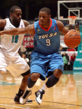 Tulsa 66ers v Sioux Falls Skyforce: Tweety Carter and Leemire Goldwire Photographic Print by Dave Eggen