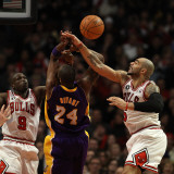 Los Angeles Lakers v Chicago Bulls: Carlos Boozer, Kobe Bryant and Loul Deng Photographic Print by Jonathan Daniel