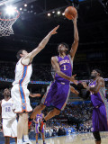 Phoenix Suns v Oklahoma City Thunder: Josh Childress and Nick Collison Lmina fotogrfica por Layne Murdoch