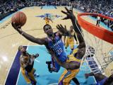 Oklahoma City Thunder v New Orleans Hornets: Jeff Green and Emeka Okafor Photographic Print by Layne Murdoch