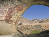 Abstract Chumash Pictographs Above a Cave Entrance Fotografisk tryk af Rich Reid